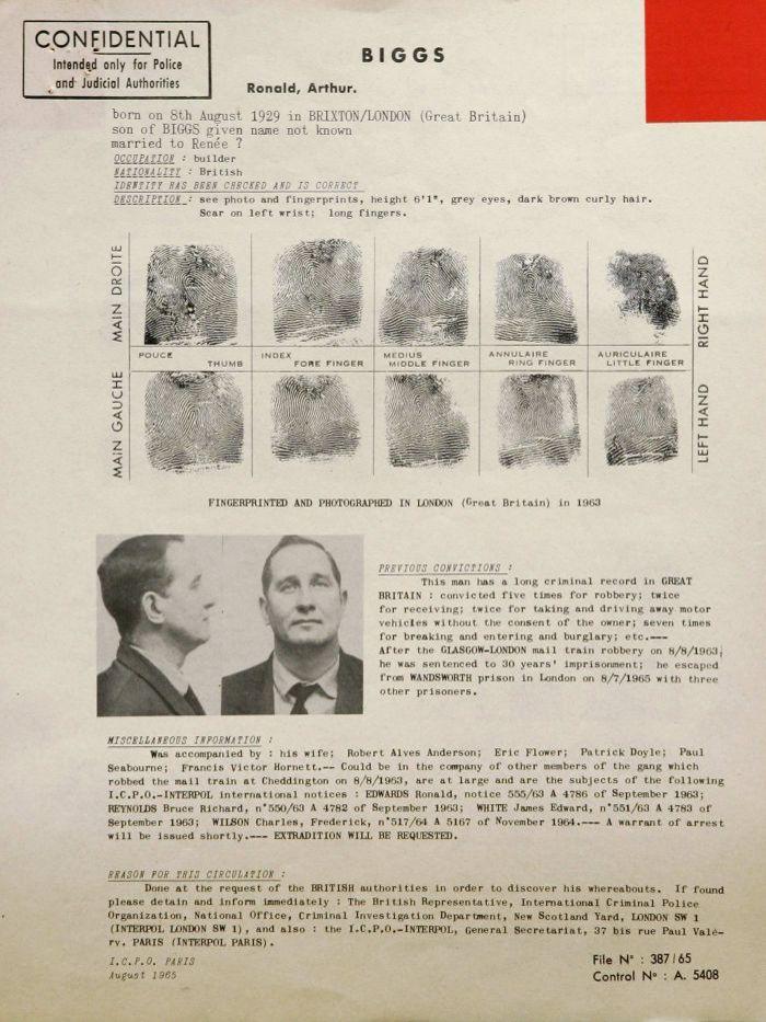 Orden internacional de búsqueda de Interpol / Interpol's wanted notice