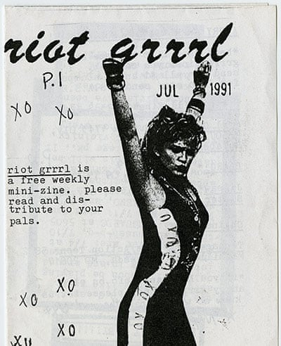 Riot Grrrl no. 1, Molly Neuman and Allison Wolfe, July 1991. 60/5000 Riot Grrrl no. 1, Molly Neuman y Allison Wolfe, julio de 1991. Enviar comentarios Historial Guardadas Comunidad