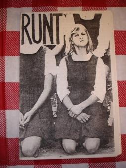 Runt zine fue creada por el músico Lara Cohen, que formó parte del dúo conocido como Nik-L-Nip.