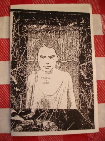 Snarla fue un fanzine literaria y artística iniciada por Miranda July y Johanna Fateman.