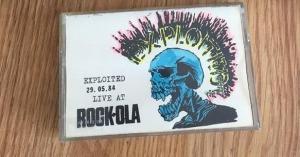 Cinta pirata con uno de los conciertos que Exploited ofrecieron en la Sala Rockola de Madrid en mayo de 1984 | Cortesía de Salvador Domínguez
