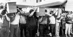 HOMENAJE A LOS 4 MUERTOS EN EL MONBAR ANTES DE PARTIR A SUS LUGARES DE NACIMIENTO. FOTO ENBATA