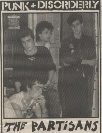 1 hoja de la entrevista en Punk + Disorderly con The Partisans, publicada en octubre de 1983
