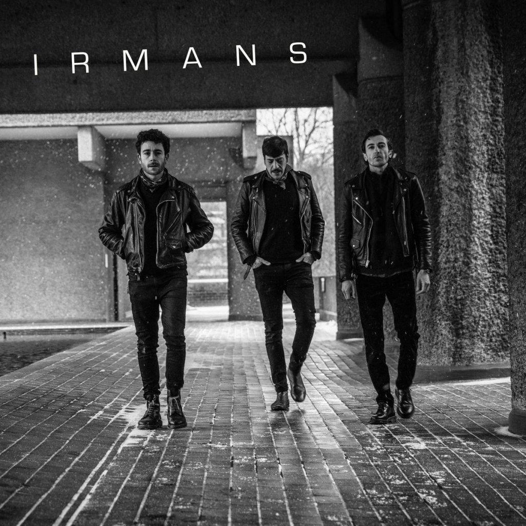 "Single de ""Hermano"" / ""I Wanna See You"" de Irmans (No Front Teeth, 2021)"